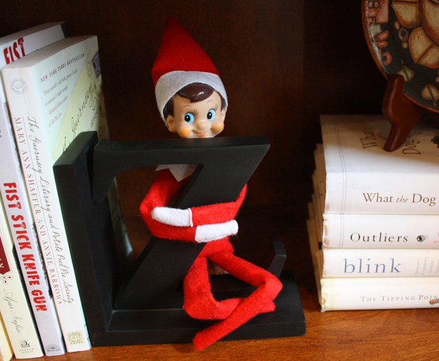 Elf on the Shelf: letter Z
